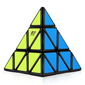 Qi to układanki przeznaczone dla początkujących speedcuberów.