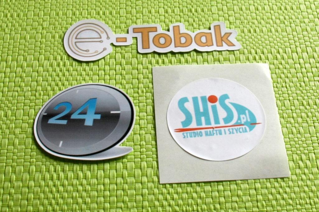 naklejka wycinana po obrysie z logo firmy