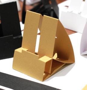 eko papierowy stojak na iphona