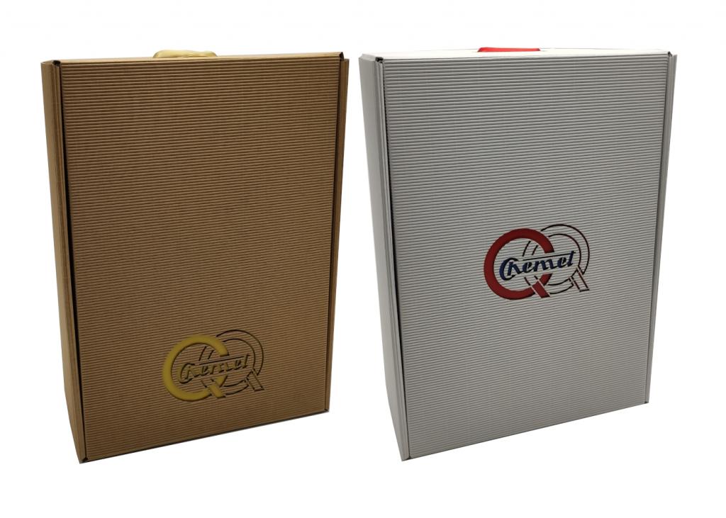 pudełko prezentowe z logo